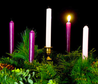 Advent-Wreath-1-candle-lit